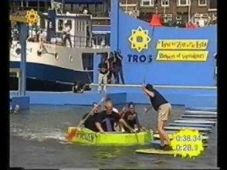 Ter land ter zee en in de lucht - Pompen of Verzuipen (Still YouTube)