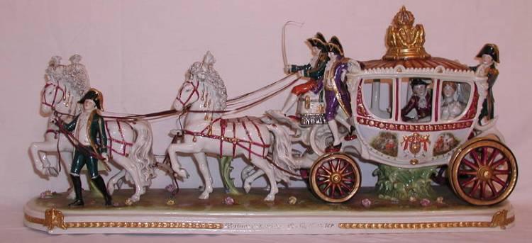 De trouwkoets van Napoleon, Volkstedt-porselein ca. 1930.