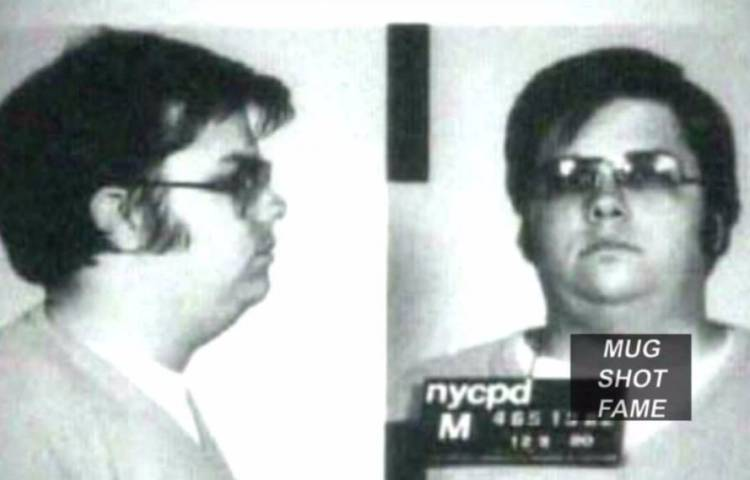 Mugshot van Mark David Chapman (Still YouTube)