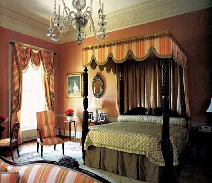 De logeerkamer van Churchill in het Witte Huis, de rozenkamer, tegenwoordig beter bekend als The Queens' Bedroom. (White House Museum)