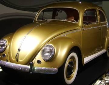 De Volkswagen Kever groeide uit tot één van de symbolen van het Wirtschaftswunder - cc