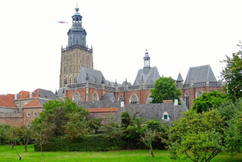 Sint Walburgiskerk in Zuthpen - cc
