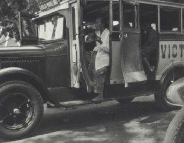 Autobus circa 1930 (KITLV)
