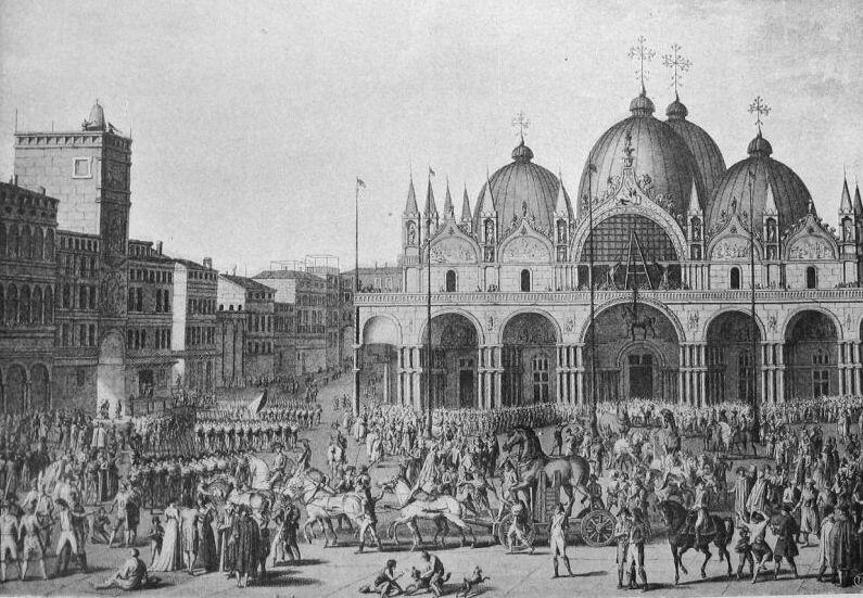 Het weghalen van de 'Paarden van Venetië' in december 1797, naar een tekening van Carle Vernet (1758-1836). Deze paarden sierden de voorgevel van de basiliek San Marco in Venetië. De Venetianen hadden ze in bezit gekregen door de plundering in 1204 van Constantinopel tijdens de Vierde Kruistocht. Toen Napoleon in 1797 Venetië veroverde, gaf hij opdracht de paarden weg te halen en over te brengen naar Parijs. Daar kregen zij een plaats op de Arc de Triomphe du Carrousel. In 1815 keerden de paarden terug naar Venetië. Wikimedia Commons.