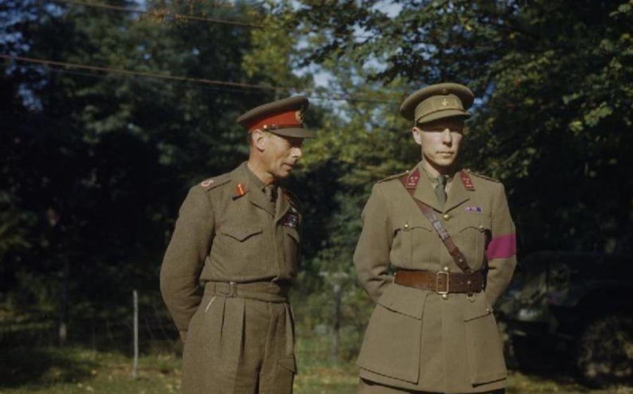 Koning George VI met regent Karel van België (r), 1944 - IWM