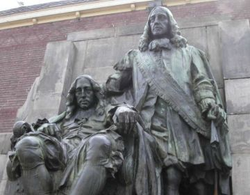 Eerste stadhouderloze tijdperk (1650-1672) - Standbeeld van Johan (links) en Cornelis de Witt in Dordrecht (wiki)