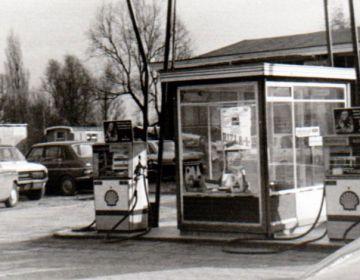 Oliecrisis van 1973 - Shelltankstation in de jaren 70 (cc - wiki - Juvarra)