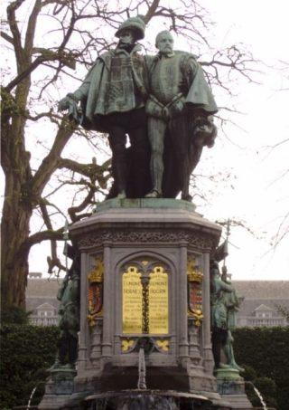 Monument van Charles Fraikin voor de graven Egmont en Horne, 1864 (CC BY-SA 3.0 - Jahoe)