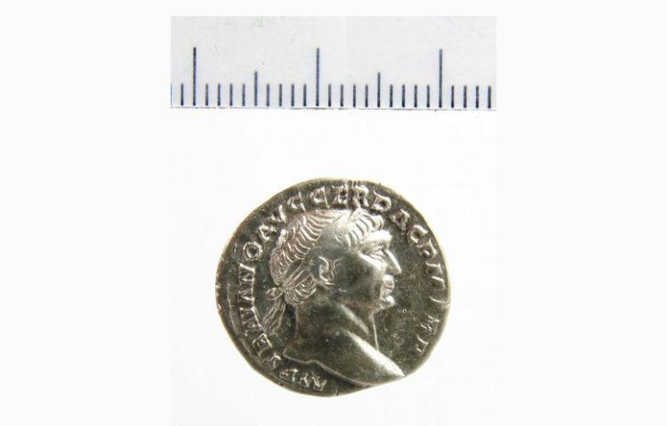 Zilveren denarius met afbeelding keizer Trajanus (98-117). Foto: Portable Antiquities of the Netherlands, PAN-34536 (CC BY-SA 4.0)