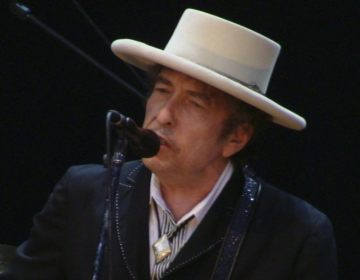 Bob Dylan in 2010 (CC BY 2.0 - Alberto Cabello - wiki)