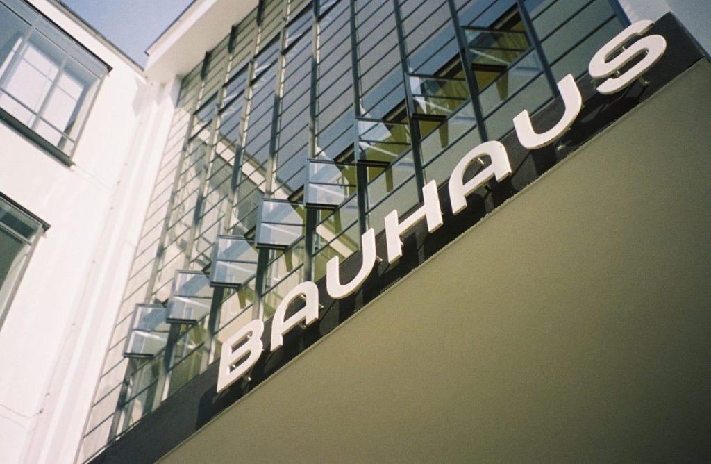 Bauhaus Dessau (CC BY 2.5 - wiki)