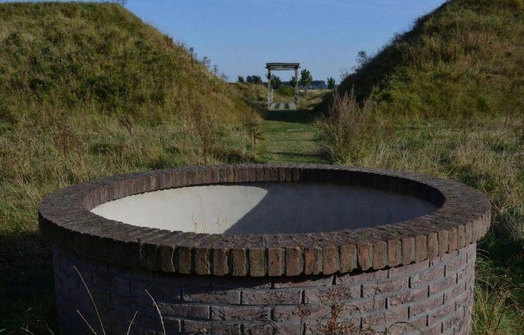 Het gereconstrueerde Fort Berchem bij Retranchement, West Zeeuws-Vlaanderen (foto H.M.D. Dekker)
