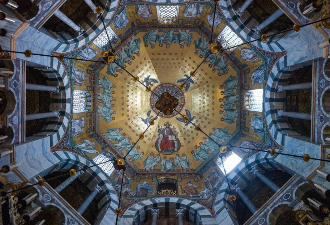 De Dom van Aken – Bisschoppelijke kerk