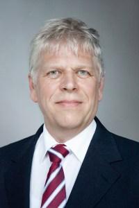 Dr. Holger Martens