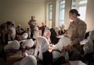 Enseñando español a las niñas afganas