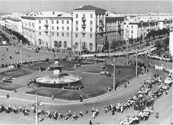 Архитектура 1940-1950 годов соцгорода УАЗа в Каменске ...