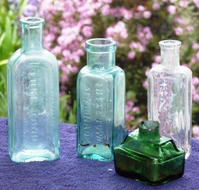 4 Small Bottles(2)