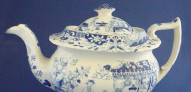 Hilditch and Sons teapot c. 1825