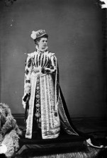 "The Countess of Dufferin as ""Mary de Guise."" http://collectionscanada.gc.ca/pam_archives/index.php?fuseaction=genitem.displayItem&lang=eng&rec_nbr=3215138"