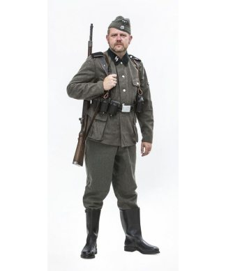 WW2 German SS uniforms and tunics