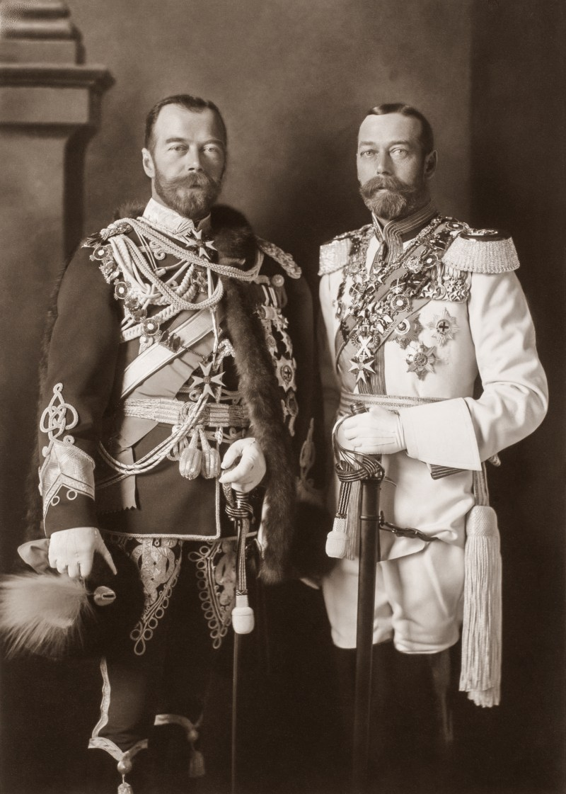 Tsar Nicholas II and King George V in military uniform in 1913.