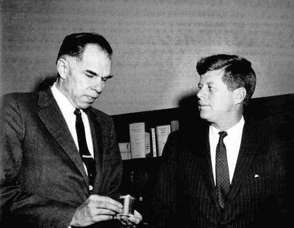 Glenn T. Seaborg and John F. Kennedy in 1961