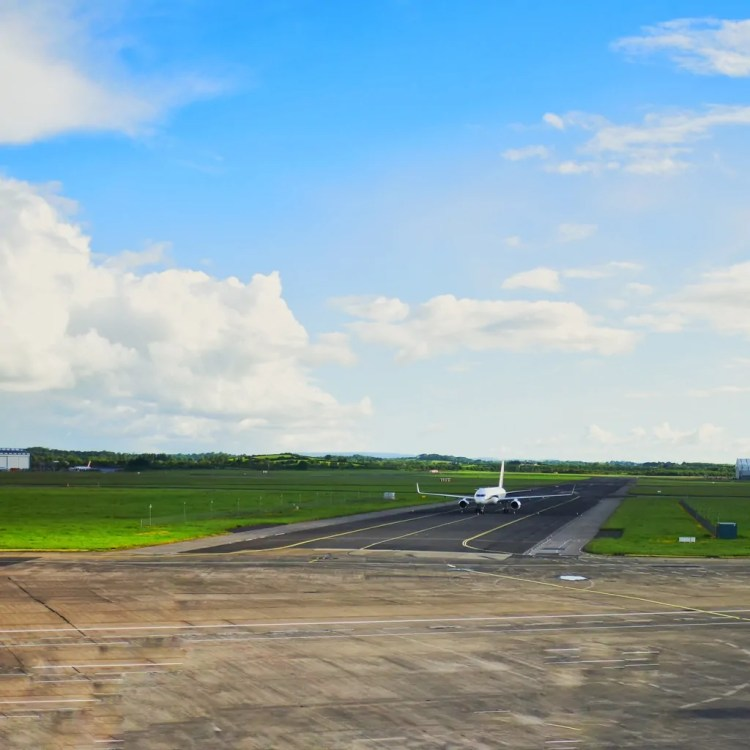 An airplane on the tarmac at Shannon Airport in Ireland
