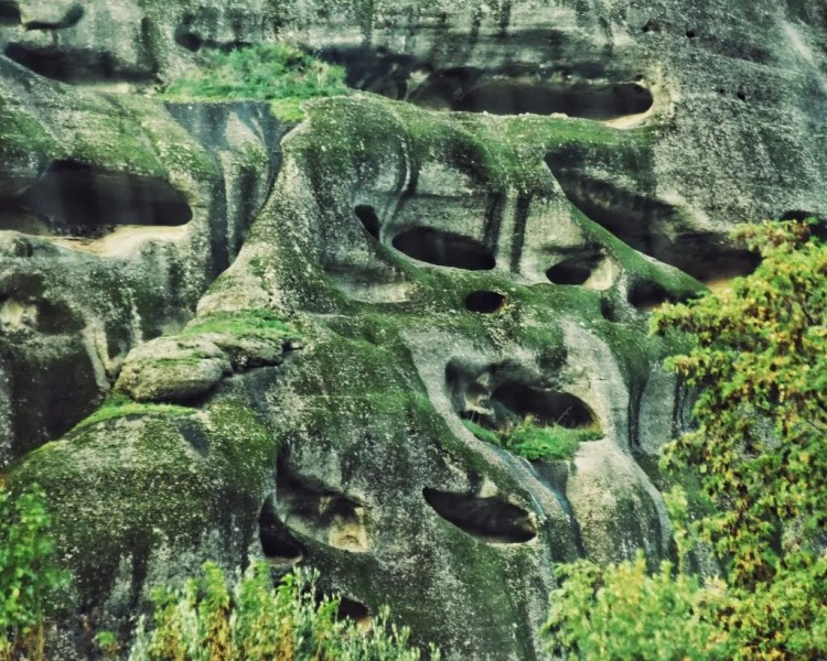 The caves where hermetic monks lived before the Meteora monasteries were built