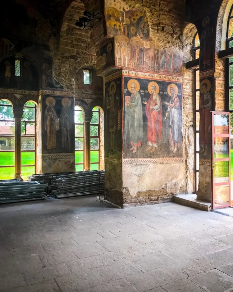 Frescoes in the outer narthex of the Church of the Dormition of the Most Holy Virgin (the central church at Granica Monastery)