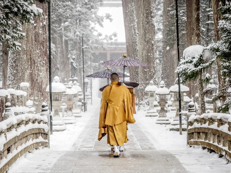Monks walking toward Torodo Hall, Okunoin, Koyasan. Photo credit by Nick Kembel. Used with permission.