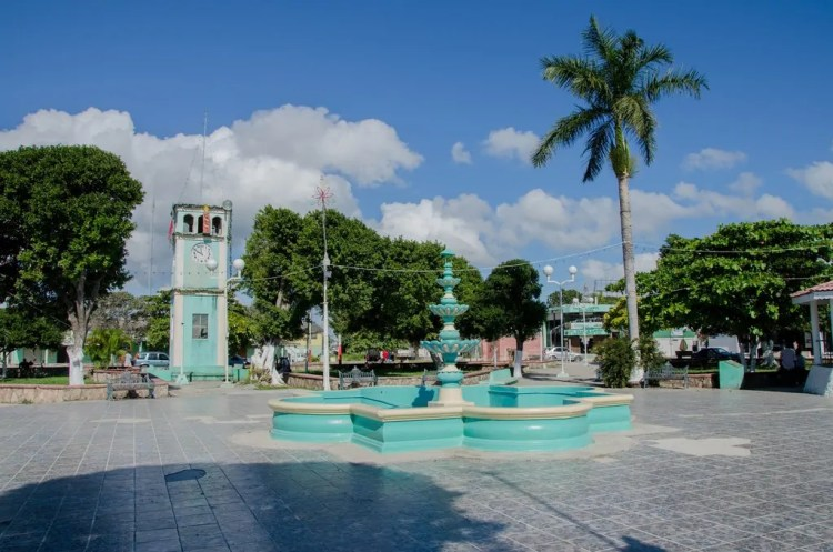 Belize - Corozal - Town Square - Wikimedia Commons