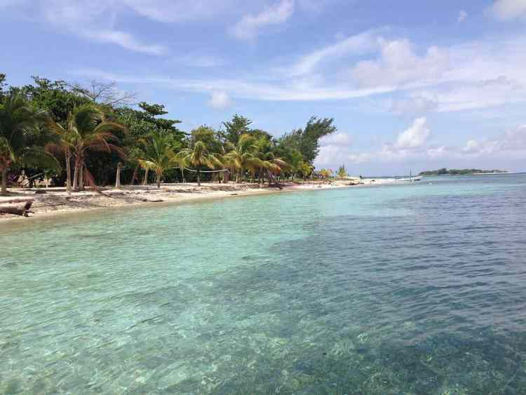 Belize - South Hunting Caye - Sapodilla Cayes - Best Belize Beaches