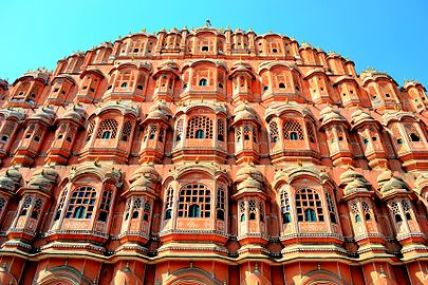 Hawa Mahal represents the perfection of mind and beauty. It was built by Maharaja Sawai Pratap Singh who was known for his brilliance.