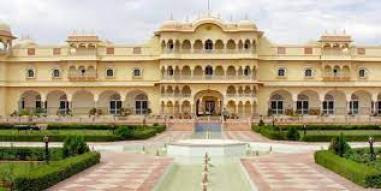Meaning 'An Abode to Tigers', Nahargarh Fort was built by Maharaja Jai Singh II in 1734. The methods of its construction are obtained from Indo-European architecture.