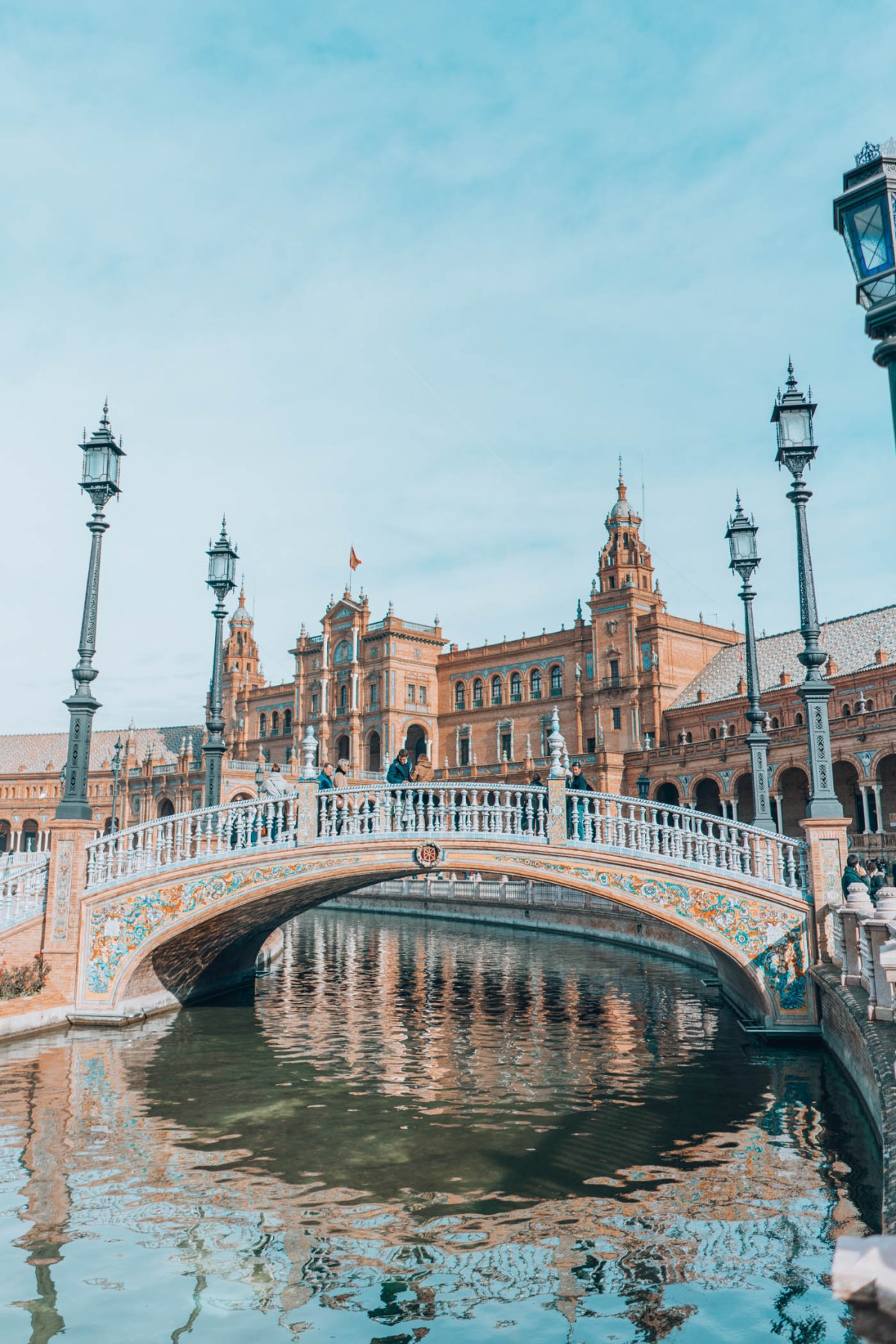 48 Hours in Seville, Guide, History in High Heels