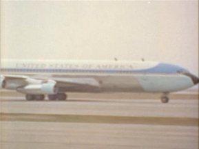 342-USAF-34662 - PRESIDENT KENNEDY VISITS SAC HEADQUARTERS, 12-07-1962-30.000
