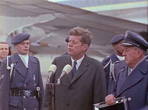 342-USAF-34662 - PRESIDENT KENNEDY VISITS SAC HEADQUARTERS, 12-07-1962-405.000