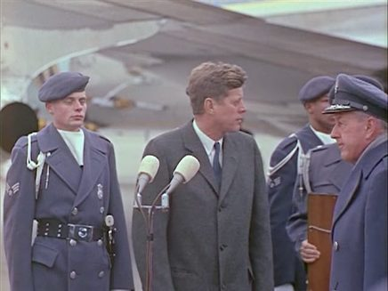 342-USAF-34662 - PRESIDENT KENNEDY VISITS SAC HEADQUARTERS, 12-07-1962-330.000