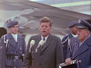 342-USAF-34662 - PRESIDENT KENNEDY VISITS SAC HEADQUARTERS, 12-07-1962-390.000