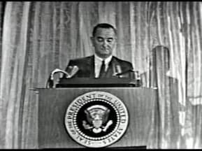 MP 510 - LBJ Press Conference - 19640307-1080.000