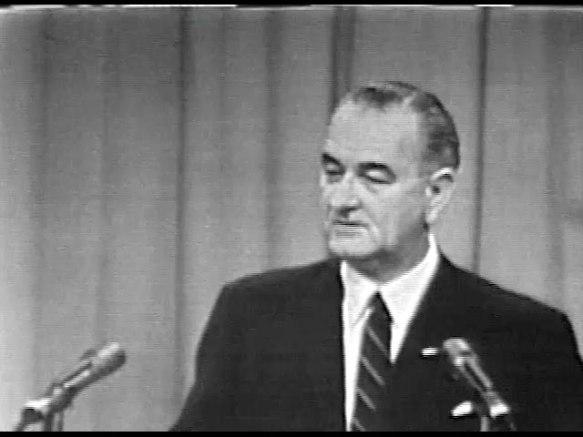 MP 511 - LBJ Press Conference - 19640416-1380.000