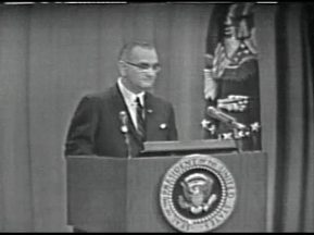 MP 511 - LBJ Press Conference - 19640416-840.000
