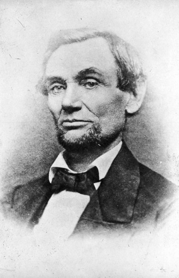 This is What Abraham Lincoln Looked Like  in 1860