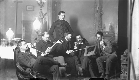 Left to right: Franklin Brownell, Michel Frechette, William Brymner, John Watts, Frank Checkley and Lawrence Fennings Taylor. Image: William James Topley / Library and Archives Canada / PA-201228.