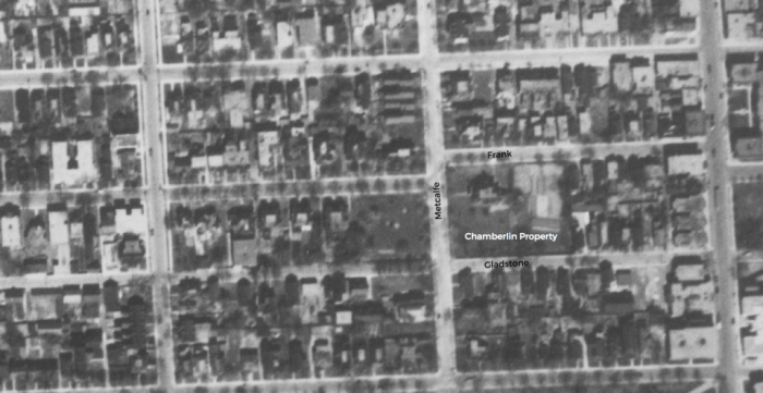 The lot in 1928, just before it was purchased by Shenkman. Chamberlin's house is on the north west corner of the lot, at Metcalfe and Frank. Source: National Air Photo Library / uOttawa / A18-53 May 11, 1928.