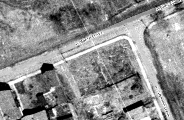What was supposed to be home to an apartment and offices was remained a field in 1965. Image: geoOttawa.