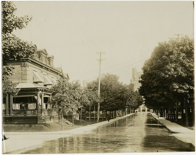 To the left, the glistening and recently-constructed home of Fred Cook, journalist and Mayor of Ottawa between 1902 and 1903. Image: Bytown Museum, 1902.