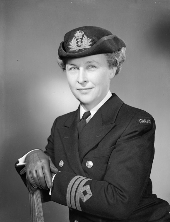 Commander Adelaide Sinclair, WRCNS Director, was a guest at Beechwood House housewarming party in November 1943. Image: Lt Gerald M. Moses / Canada. Dept. of National Defence / Library and Archives Canada / PA-191176.