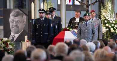 Fantastic Germans! Tears of joy and delight at the death of one of Jewish Merkel's Traitors!