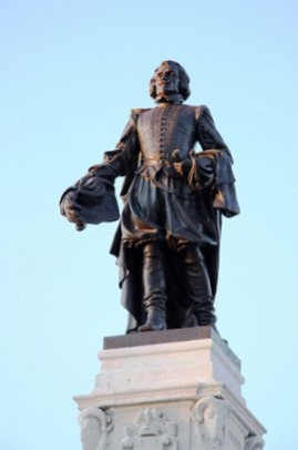 Statue of Champlain in Quebec CityCC BY-SA 3.0 image from Wikipedia.